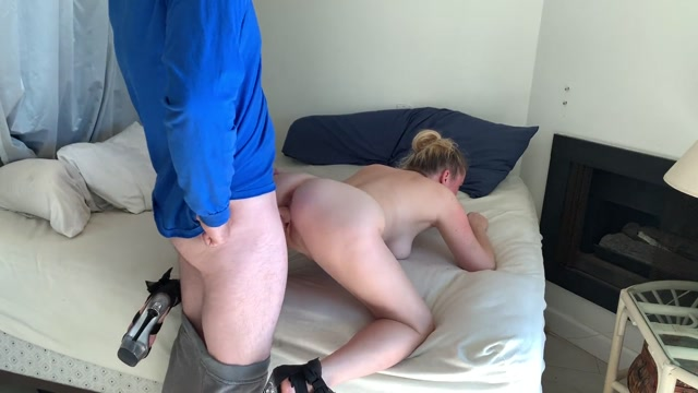 Erin_Electra_-_Wife_Fucks_The_Delivery_Boy_To_Get_Back_At_Her_Husra.mp4.00011.jpg
