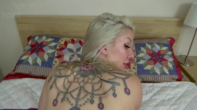Fifi_Foxx_Fantasies_-_Sydney_Paige_-_Son_s_Obsession_with_Mommy_s_Butt_-_Ass_Sniffing__Licking__Fingering____Anal_Sex__POV.mp4.00014.jpg
