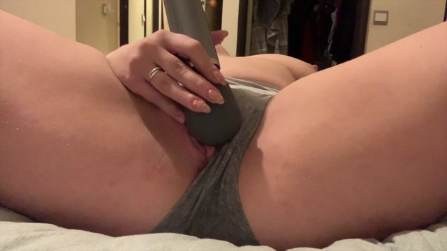 Jenna_Love_-_Jennahasredhair_-_Watch_me_squirt_through_my_panties.mp4.00013.jpg