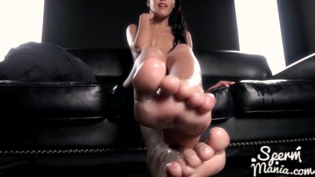 Apolonia_Lapiedra_s_Cum_Covered_Footjob_-_Sperm_Mania.mp4.00015.jpg