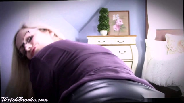 Brooke_Marie_-_Teacher_gives_JOI_with_POV_Leather_Lap_Dance.mp4.00009.jpg