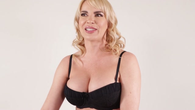 ElegantAngel_presents_Dana_DeArmond_-_MILF_Performers_Of_The_Year_2020___18.05.2020.mp4.00000.jpg