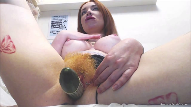 FoxyGoddess_my_hairy_pussy_and_cucumber_penetration.mp4.00014.jpg