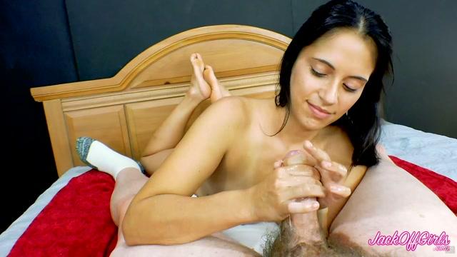 Watch Online Porn – Latina POV Handjob with Soles Up – JackOffGirls (MP4, FullHD, 1920×1080)