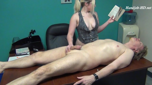 Watch Online Porn – Leo Does The Job!!!! – Bossy Girls (MP4, FullHD, 1920×1080)