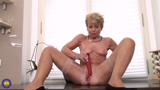 Mature.nl_presents_Romana__68_.mp4.00014.jpg
