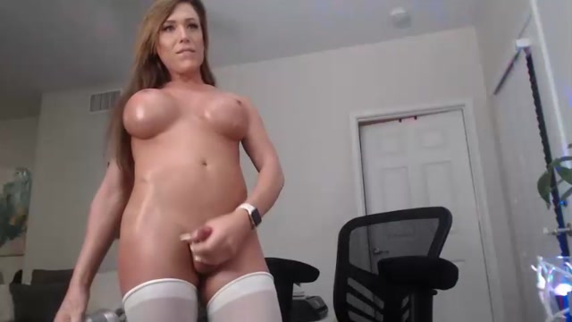 Shemale_Webcams_Video_for_May_18__2020___28.mp4.00015.jpg