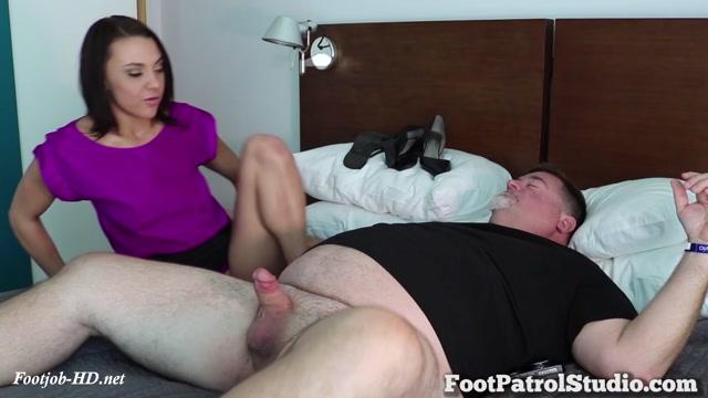 Soft_Feet_on_Hard_Meat_with_Maria_Jade_-_Pedi_Police.mp4.00002.jpg