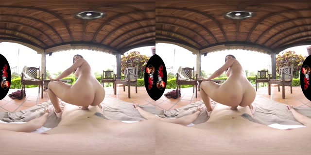 VRLatina_presents_Pretty_In_Paradise_-_Gaby_Gomez.mp4.00009.jpg