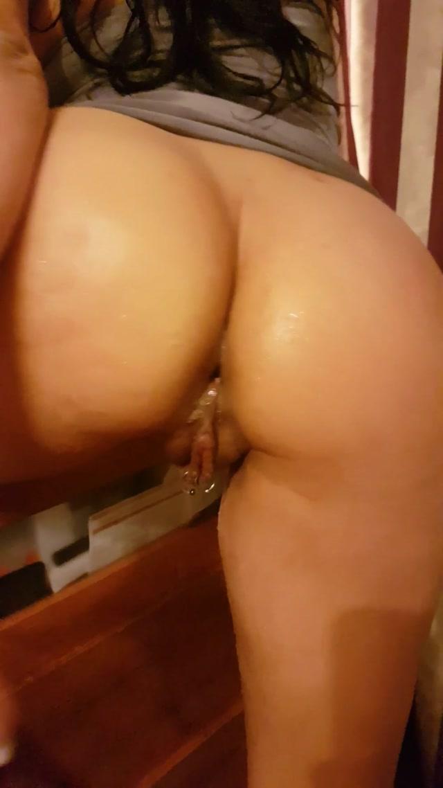 Alisiya_Rainbow_aka_Raduga_-_023_Anal_Fisting_and_Jet_Orgasm.mp4.00014.jpg