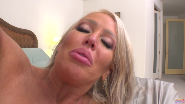 AnalOverdose_presents_Alura_Jenson_-_Big_Boob_Babe_Want_A_Cock_To_Fill_Her_Ass___11.06.2020.mp4.00015.jpg