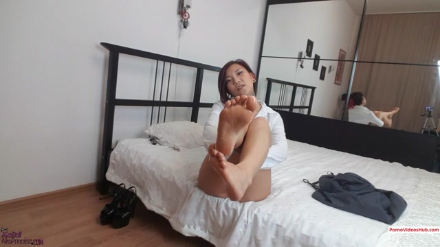 AsianDreamX_-_foot_pay_slave_converted.mp4.00007.jpg