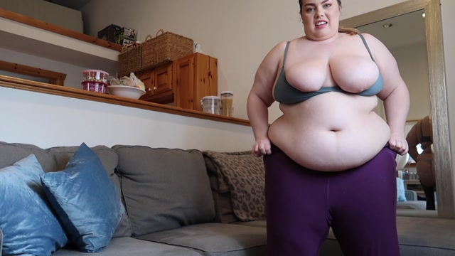 Chloe_Bbw_-_Bbw_Chloe_Needs_New_Leggings.mp4.00002.jpg