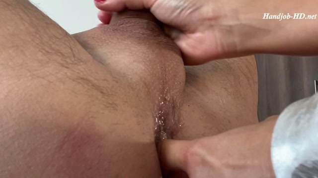Cock_massage_with_Hands_and_Feet_-_Lady_Anastasia.mp4.00005.jpg