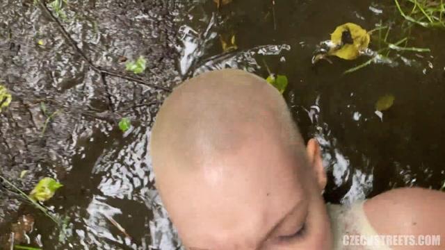 CzechStreets_presents_Laura_in_Bald_Rebel_-_30.06.2020.mp4.00013.jpg
