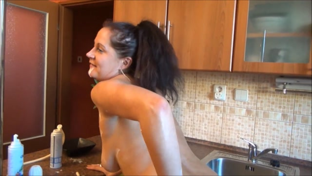Watch Online Porn – DirtyScatGirl – Whipped Cream, Enema, Shit and Vomiting (MP4, FullHD, 1920×1080)