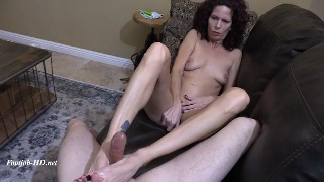 Footjob___Pussy_Pleasure_-_Arches__Toes__Heels__Soles.mp4.00007.jpg