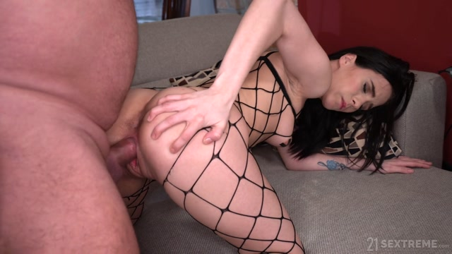 GrandpasFuckTeens_-_Nikki_Fox__Albert_-_THE_YOUNG_DOMME_FROM_NEXT_DOOR_-_02.06.2020.mp4.00011.jpg