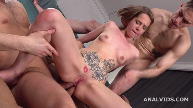Watch Free Porno Online – LegalPorno presents Stasia Si 3on1 Balls Deep Anal, DAP, Gapes, Manhandle and Swallow GL175 – 03.06.2020 (MP4, HD, 1280×720)