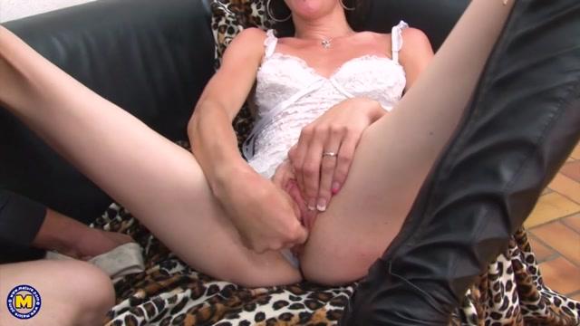 Mature.nl_presents_Jessica_Farmer__EU___35_.mp4.00015.jpg