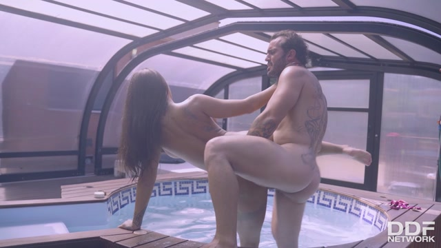 Watch Online Porn – DDFNetwork – HandsOnHardcore presents Susy Gala – Hardcore Poolside Pussy Workout – 06.07.2020 (MP4, HD, 1280×720)