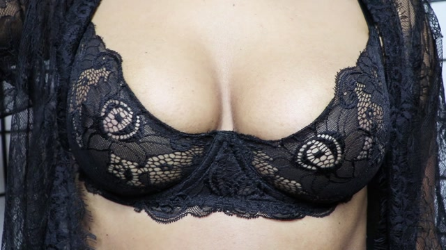 Goddess_Lulu_-_Mesmerizing_Black_Tits.mp4.00008.jpg