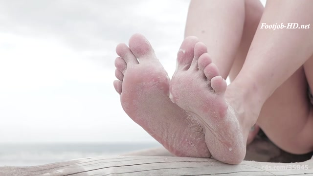 Watch Free Porno Online – Horny footjob in the paradise! Beauty Beach, sand and cum in my feet! – SECRET FOOTJOBS (MP4, FullHD, 1920×1080)