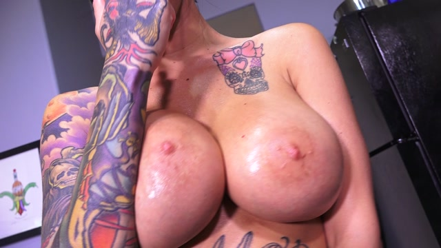 Lily_Lanexxx_-_Oil_All_Over_My_Body.mp4.00014.jpg