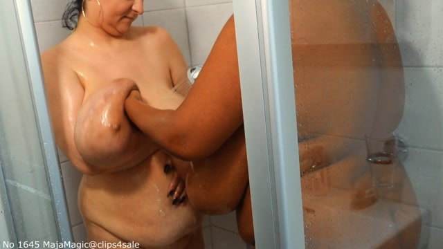 Watch Online Porn – Maja meets Alice and Pam Part 23 – Alice and Pam together in the Shower – Alternate Version (MP4, FullHD, 1440×1080)