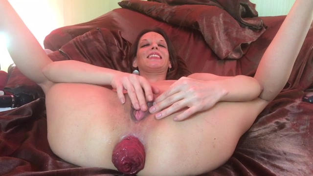 Maria_Hella_-_Maria_Big_Prolapse.mp4.00009.jpg
