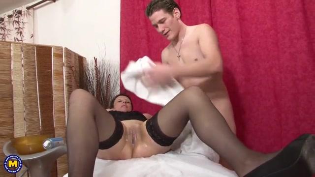 Watch Free Porno Online – Mature.nl presents Diana (EU) (52) (MP4, SD, 960×540)