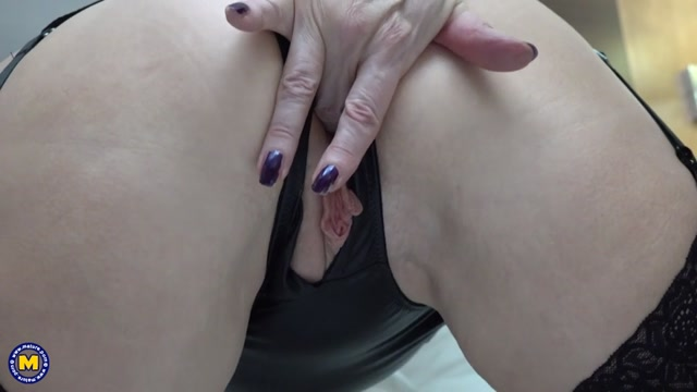 Mature.nl_presents_Emily_Jane__EU___64_.mp4.00007.jpg