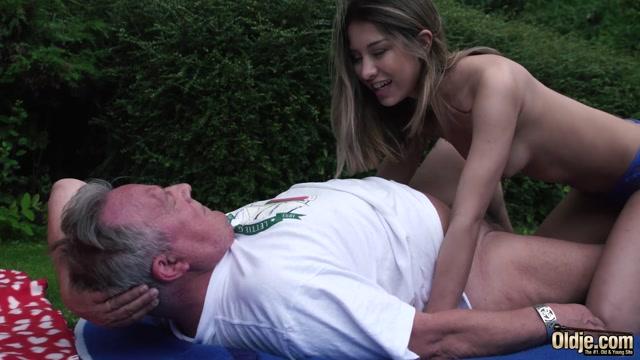Oldje_presents_Oldje_727_-_The_Sweetest_Sex_Proposal_-_Roxy_Lips.mp4.00007.jpg