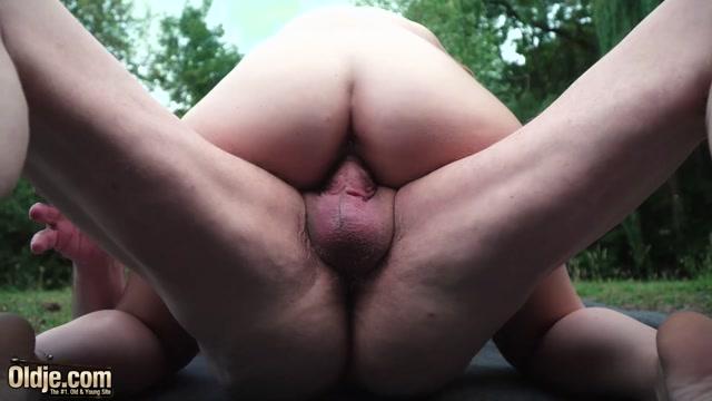 Oldje_presents_Oldje_729_-_Sexy_Posing_For_Oldje_-_Red_Linx.mp4.00011.jpg