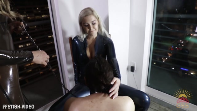 StellaSol_-_A_Drink_and_a_Blowjob_featuring_Violet_Doll.mp4.00010.jpg