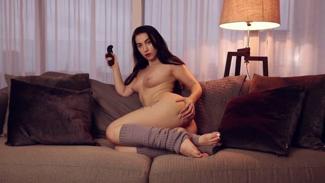 Watch Online Porn – ZannaBlue – Cosy Cums Fun Factory Pulse Dild (MP4, FullHD, 1920×1080)