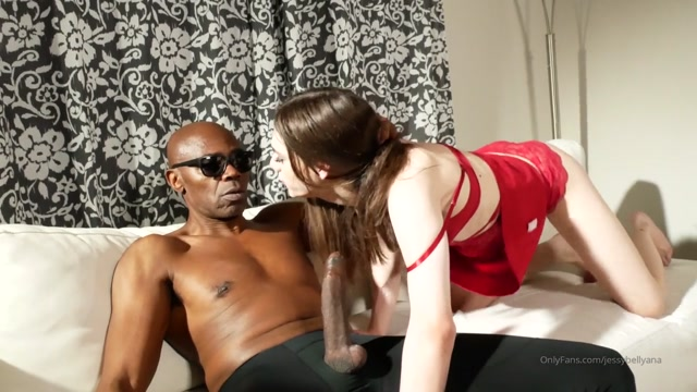 jessybellyana_20-09-2019_Ok_so_this_video_is_strange_because_I_was_on_poppers_and_my_vagina_was_torn_because_of_sho.mp4.00005.jpg