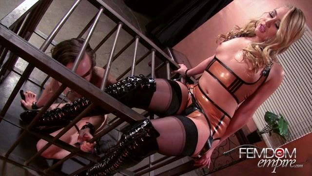 AJ_Applegate_In_Scene__Imprisoned_Boot_Bitch___FEMDOMEMPIRE.mp4.00010.jpg