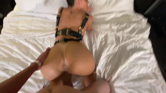 Abigail_Mac_Getting_A_Big_Dick_In_My_Hotel_Room.mp4.00007.jpg