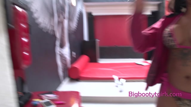 Bigbootytgirls_presents_Melissa_Foxx_BTS_-_24.08.2020.mp4.00001.jpg