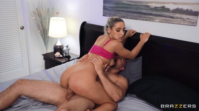 Brazzers_-_BigButtsLikeItBig_presents_Abella_Danger_-_Coming_Home_Horny_For_Anal___24.08.2020.mp4.00008.jpg