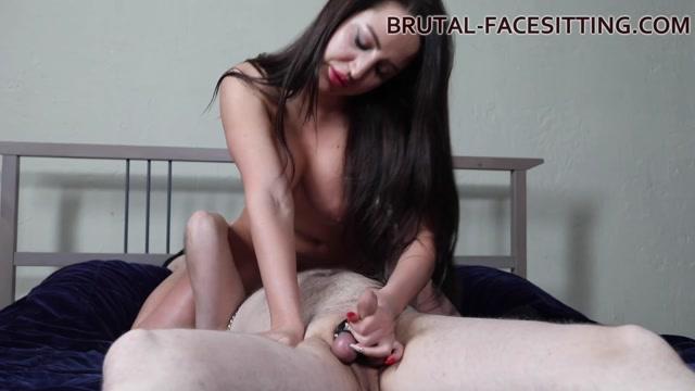 Brutal-Facesitting_-_Mistress_Kenzie_Buzz.mp4.00010.jpg