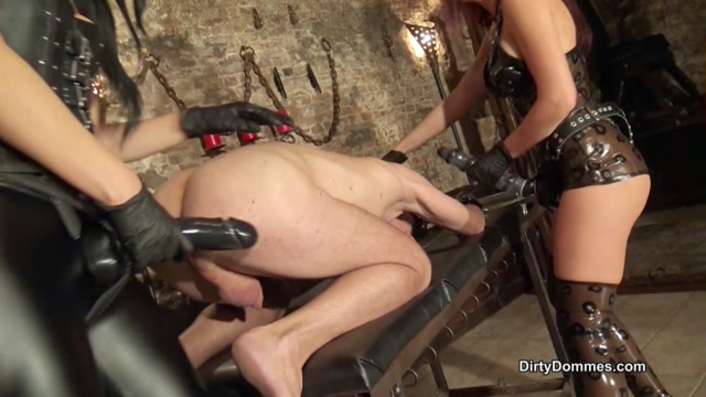 Dirty_Dommes___Anal_stretching_in_the_dungeon_part_1___Fabiola_Fatale_and_Fetish_Liza.mp4.00013.jpg