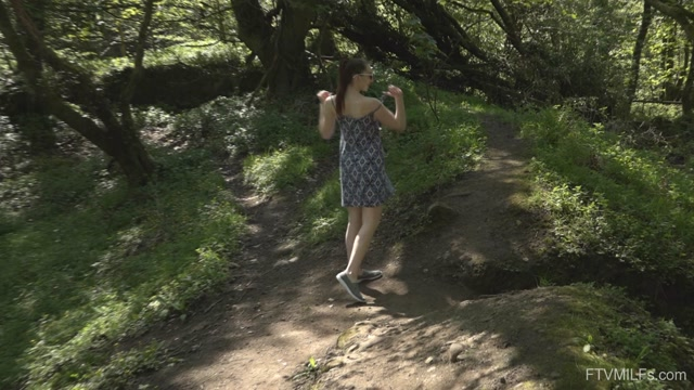 FTVMilfs_presents_Setina_-_Outdoor_Lover_-_A_Rose_In_England_1___18.08.2020.mp4.00009.jpg