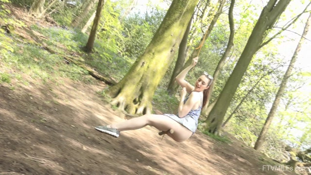 FTVMilfs_presents_Setina_-_Outdoor_Lover_-_A_Rose_In_England_3___18.08.2020.mp4.00003.jpg