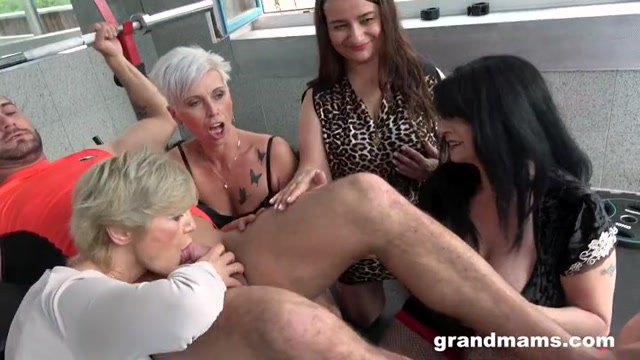 GrandMams_presents_Granny_Gym_Orgy.mp4.00002.jpg