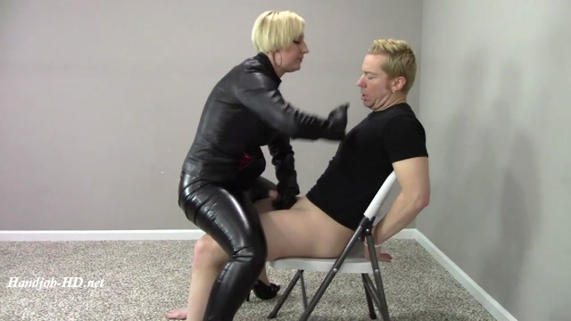 Hand_Over_Mouth_Leather_Gloves_HJ_MILF_-_Brittany_Lynn.mp4.00007.jpg