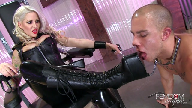 Helly_Hellfire_In_Scene__Humbled_to_bootwipe___FEMDOMEMPIRE.mp4.00013.jpg