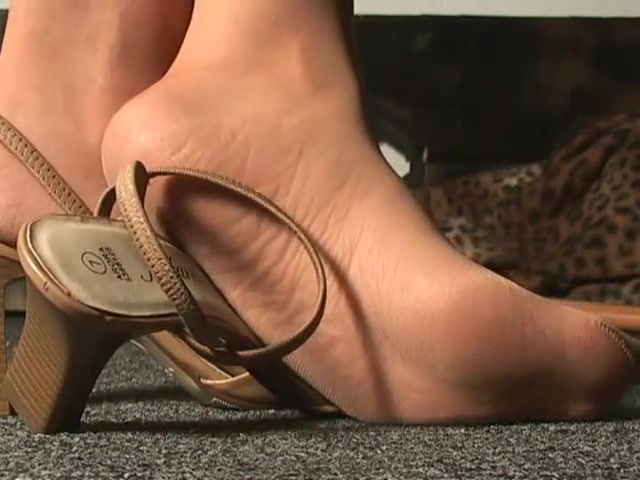 High_Heel_Temptations_-_Heels_184.mp4.00009.jpg