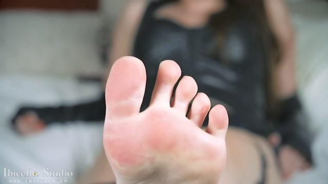 Ibicella_-_Goddess_face_and_foot_worship.mp4.00009.jpg
